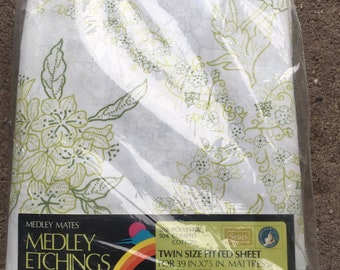Vintage twin size fitted sheet medley mates