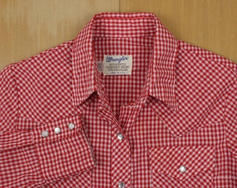 """WRANGLER """"Authentic Western Shirt For Females"""" U.S.A.-made Gingham Cowboy Shirt Red White Check Pearl Snaps Women Size 34 70s 80s"""