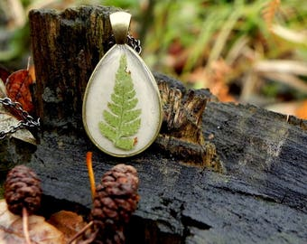 Pressed fern leaves resin necklace, Fern jewelry, Nature inspired terrarium jewelry, Real flowers pendant, Anniversary gift, woodland themed