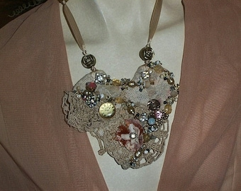 VICTORIAN  HEART NECKLACE