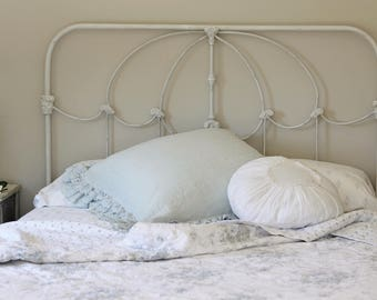 Iron Bed Queen Vintage Style Antiqued Replica of Rachel Ashwell Bed Shabby Chic, Cottage, Farmhouse, French