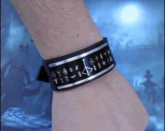 Bloodborne Caryll Runes Dark souls handmade leather bracelet wrist / cuff