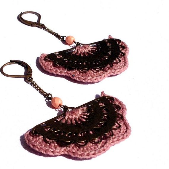 """Earrings hook old pink / fan metal ALBIZIA - Boho wedding /Quotidien crochet jewelry - """"Gypsy Chic"""" Collection"""