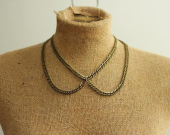 Peter Pan Collar Necklace in Antique Brass Chain for spring fashion