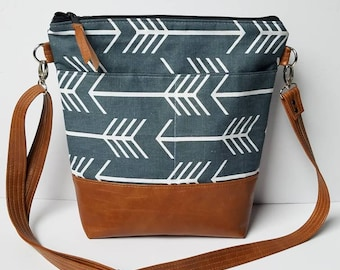 Arrow Crossbody Bag/Vegan Leather Crossbody Purse/Faux Leather Cross Body Bag/Everyday Bag/School crossbody Bag/Diaper Bag/Gift For Her