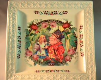 Queen of Hearts Floral Drawing / Alice in Wonderland / Square White Decorated Plate / Queen of Hearts / Alice holding a Flamingo /  Handmade