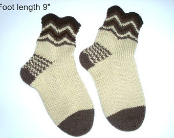 "Socks hand knit. Ankle socks. Foot length 9 "". Chevron design. Slipper socks. Boot socks. Ready to ship"