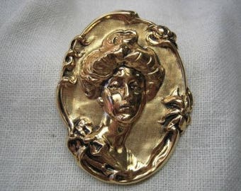 Vintage Victorian Style Cameo Gold Tone Brooch