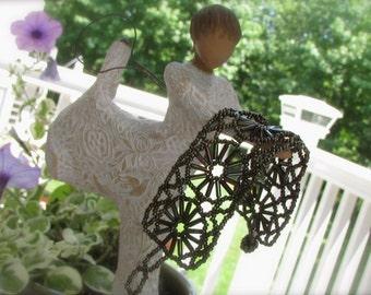 Stunning vintage hand beaded / handmade / beadwoven seed bead beadwork bracelet