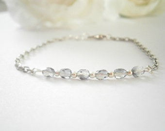 Light Gray Bracelet - Beaded Bar Bracelets - Czech Glass Jewelry - Minimalist Jewellery - Thin Bracelet - Delicate Layering Bracelet
