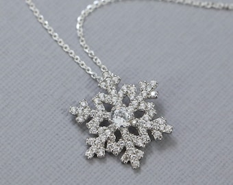 Snowflake Necklace, Christmas Necklace, Gift for Her, Co-worker Gift, Christmas Gift, Gift for Daughter, Winter Necklace, Gift for Her