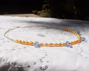 Olivia Necklace in Pearls and Glass