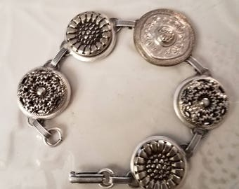 Silver Button Bracelet, Vintage Button Bracelet, Upcycled Vintage Bracelet, Sewers Bracelet, Button Bracelet, Repurposed Button Jewelry,