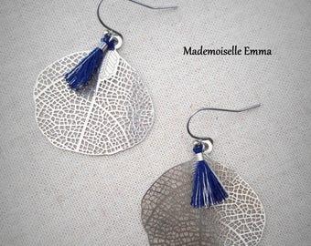 Leaves earrings in silver and blue tassels