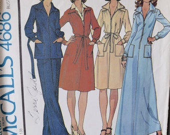 1970's McCall's 4686 Vintage Sewing Pattern Zip Front Dress or Top and Pants Two Lengths Patch Pockets Tie Belt Size 12 Bust 34