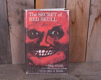 1971 The Secret of the Red Skull Childrens Library Book Pirates Haunting Adventure