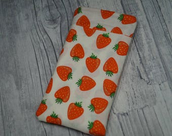 "Cell phone bag ""Strawberry miracle"""