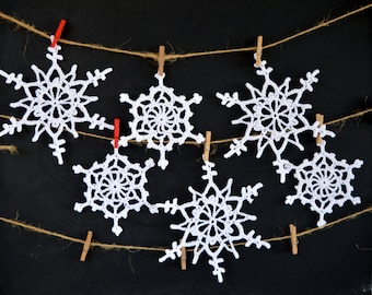 Snowflakes. Crochet ornaments. Christmas decoration. White Snowflakes. Set of 6 snowflakes. Snowflake ornament