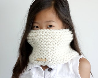 Knit Childrens Cowl, Neckwarmer // Fisherman // The Tiffany Cowl