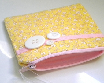 Zipper Coin Purse in a Sweet Yellow Calico, Makeup Bag, zip pouch, girlfriend gift, best friend gift, or Treat yourself