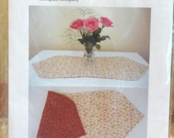 IcanQuilt it Curvy Reversible Tablerunner Pattern