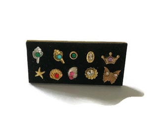 Brooch display Dolls House Miniature - 12th Scale