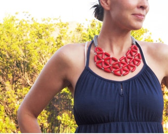 red rice wood geometric mosaic necklace
