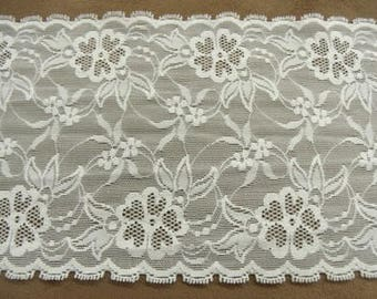 LACE on mesh - 13 cm white