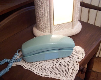 Vintage 1960s Turquoise Telephone, Mid Century Phone, Princess Style, Desk Top Phone