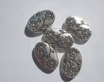 6 oval shaped metal beads silver plated (2038)