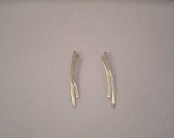 Earrings Silver 925/1000 on studs. Model day beds.