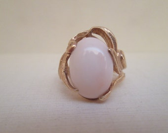 Gorgeous Vintage Angel Coral in 14K Gold Ring