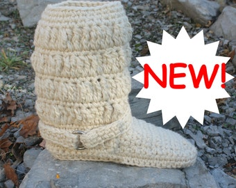 Crochet Boots Pattern------STYLISH CHUNKY BOOTS-----womens sizes 5-10-----streetwear---outdoor sole---- works up quickly and easily