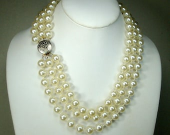 SALE, White 3 Strand Pearl Necklace, 1960s  Mad Men Trashion Glam, Get The White Lipstick Out, Unused lightweight Resin
