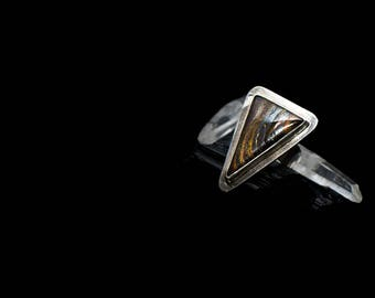980 Silver ring with tiger eye
