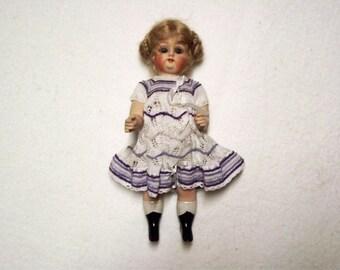 Antique Repro Doll, ca. 20,5 cm (64)
