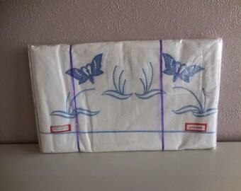 A unused vintage cotton sheet