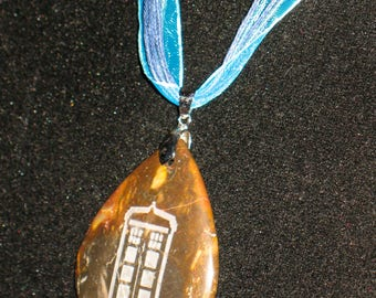Etched Jasper London Police Box Tardis Cabochon Teardrop Pendant Necklace 24 inch Doctor Who
