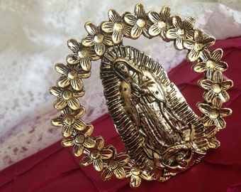 Desk top Virgin Of Guadalupe surrounded By flowers/ Virgen De Guadalupe Rodeada De Flores Para Mesa / Brass tone finished