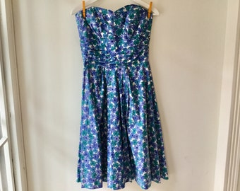 50s blue floral dress xs/s / vintage strapless sleeveless full circle skirt cotton dress / cocktail sweetheart neckline dress