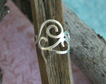 Silver Ring -  Sterling Silver Filigree Ring inspired by the Grapevine | Handcrafted Jewelry