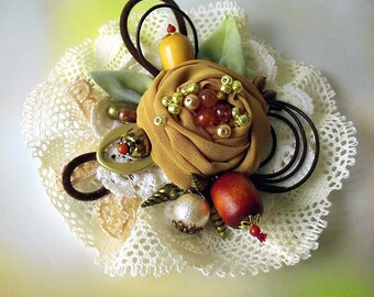 Pin fabric corsage, Boho brooch, Fabric brooch, Flower brooch, Wedding corsage, Bridal corsage, Prom corsage, Fascinator, Victorian corsage