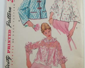 Bed Jacket In Three Styles Scalloped Collar Fashion Accessories Simple To Make Vintage Size 12 Coat Sewing Pattern Simplicity 4935
