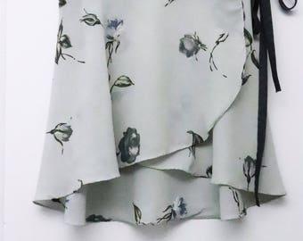 Light Gray Rose Printed Ballet Wrap Skirt- Short