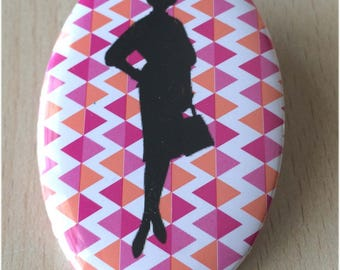 badge / brooch vintage silhouette fashion 28
