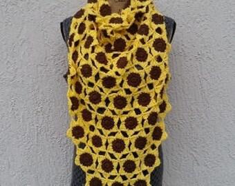 CROCHET PATTERN - Sunflower Shawl, Crochet Triangle Shawl, Crochet Shawl for Her, Crochet Sunflower, Crochet Floral Shawl, Sunflower for Her