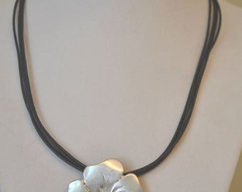 Pewter Flower Necklace, Pendant Necklace, 1980's Necklace, Vintage Necklace, Floral Necklace, Pewter Pendant