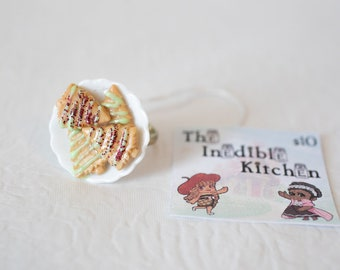 Miniature Food, Food Jewelry, Food Miniatures, Miniature Food Jewelry - Christmas Cookie Ring