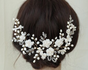 Gold Bridal Headpiece, Wedding Hair Vine, White Bridal Hair Accessory, Flower Hair Comb, Freshwater Pearl Hair Pieces, Flower Headpieces