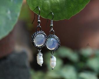 Statement boho earrings. Romantic. Tiffany method earrings. Glas and pearl earrings. Nostalgic. Danging earrings